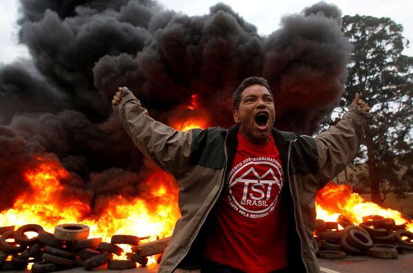 Braziliya. Người biểu tình phản đối ở Sao Paulo. - Sputnik Việt Nam