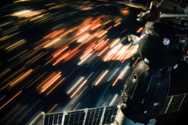 Quanh cảnh Trái đất nhìn từ Trạm Không gian Quốc tế. - Sputnik Việt Nam