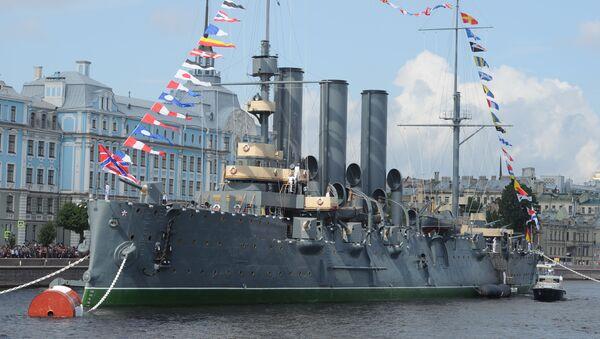 Крейсер Аврора у набережной Невы в Санкт-Петербурге - Sputnik Việt Nam