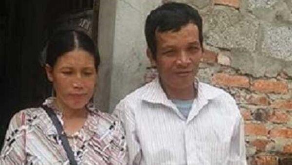 Vợ chồng anh Tám đã đi tìm con gái nhiều ngày qua. - Sputnik Việt Nam