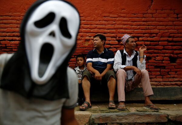 Nepal. Khán giả tại lễ hội Phật giáo Neku Jatra-Mataya ở Lalitpur. - Sputnik Việt Nam