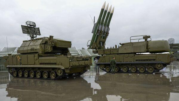 Tổ hợp tên lửa Buk-1M tại Diễn đàn quân sự-kỹ thuật Quân đội 2015 - Sputnik Việt Nam