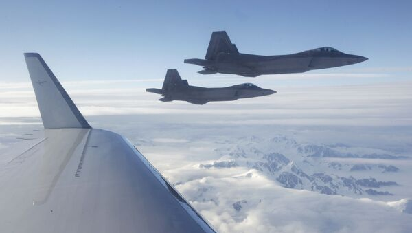 Máy bay chiến đấu F-22 - Sputnik Việt Nam