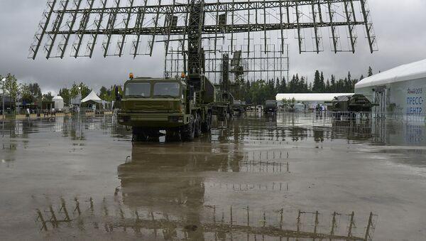 Tổ hợp radar cơ động 55ZH6M Nebo-M tại Diễn đàn Quân đội-2015 - Sputnik Việt Nam