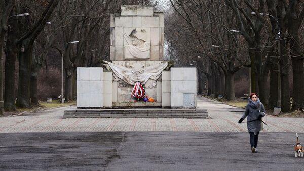 Di tích vinh danh Hồng quân Liên Xô ở Warszawa, Ba Lan - Sputnik Việt Nam