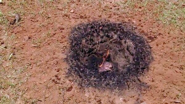 Thiên thạch rơi xuống sân nhà một người Mỹ - Sputnik Việt Nam
