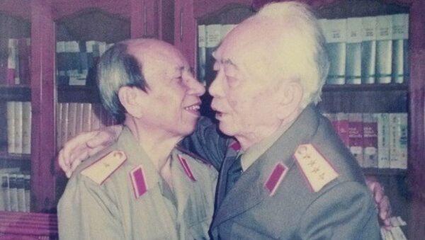 Tướng Giáp và Tướng Nhạ - Sputnik Việt Nam