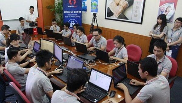 Quang cảnh buổi diễn tập anh ninh mạng WhiteHat Drill 04 - Sputnik Việt Nam