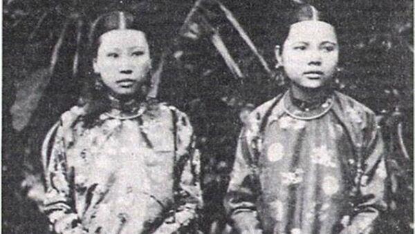 Hai trong số rất nhiều cung phi của vua Thành Thái. - Sputnik Việt Nam