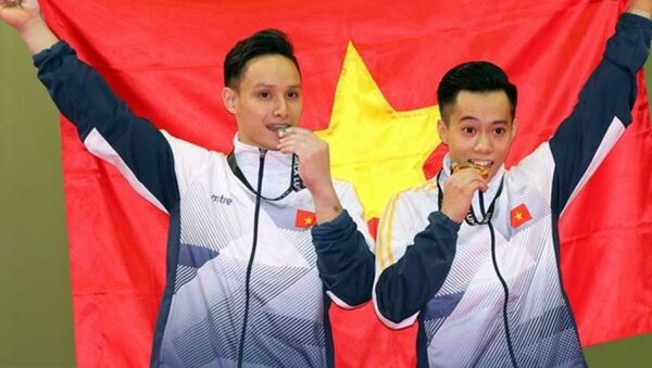 Thanh Tùng hoàn tất cú đúp vô địch môn thể dục nghệ thuật. - Sputnik Việt Nam