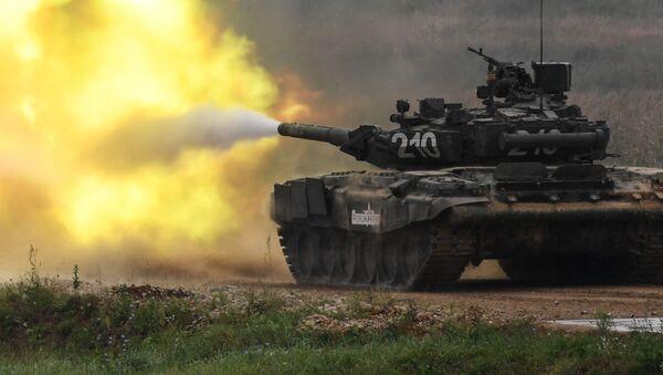 Xe tăng T-90 trong thời gian trình diễn thuộc khuôn khổ Diễn đàn kỹ thuật-quân sự quốc tế Quân đội-2017. - Sputnik Việt Nam