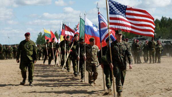 Các quân nhân NATO - Sputnik Việt Nam