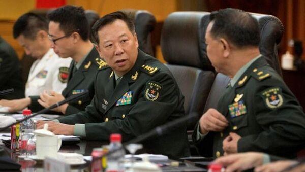 Tân Tổng tham mưu trưởng quân đội Trung Quốc Lý Tác Thành (giữa) - Sputnik Việt Nam