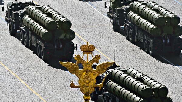 Các tổ hợp tên lửa phòng không S-400 của Nga - Sputnik Việt Nam