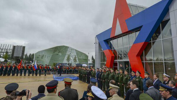 """Tỉnh trưởng Tỉnh Moskva Andrei Borobev tại  lễ khai mạc Diễn đàn Quốc tế """"Quân đội – 2015"""" - Sputnik Việt Nam"""