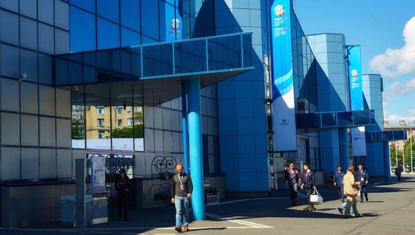 Địa bàn tổ hợp triển lãm Lenexpo trước lễ khai mạc Diễn đàn Kinh tế St. Petersburg - Sputnik Việt Nam