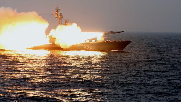 Tàu tên lửa lớp Molniya thực hiện bắn pháo - Sputnik Việt Nam