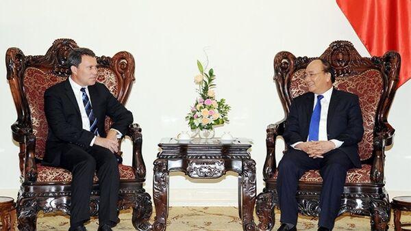Thủ tướng Nguyễn Xuân Phúc tiếp Phó Chủ tịch Tập đoàn ExxonMobil (Hoa Kỳ) phụ trách khu vực châu Á - Thái Bình Dương và Trung Ðông G.Ghíp. - Sputnik Việt Nam