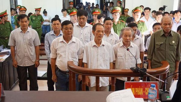 Các bị cáo tại phiên tòa sơ thẩm - Sputnik Việt Nam