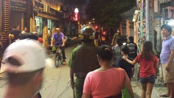 Cảnh sát nổ súng ở quận 1 khống chế thanh niên hung hãn - Sputnik Việt Nam