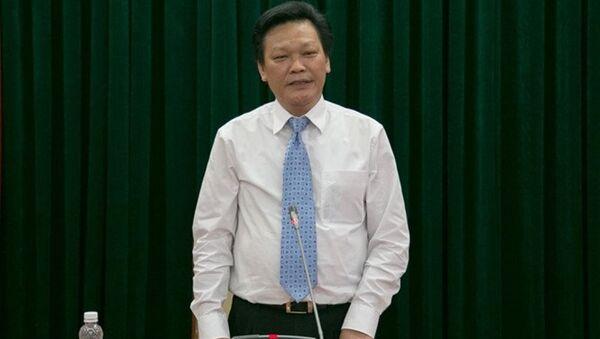 Thứ trưởng Nguyễn Duy Thăng thông tin với báo chí về việc thất lạc hồ sơ gốc bổ nhiệm Trịnh Xuân Thanh. - Sputnik Việt Nam