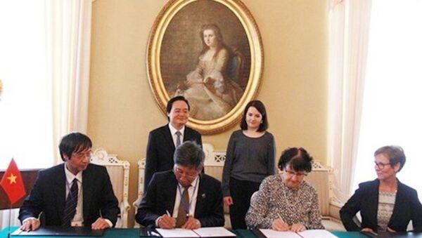 Việt Nam và Phần Lan ký kết hợp tác giáo dục với nhiều nội dung - Sputnik Việt Nam