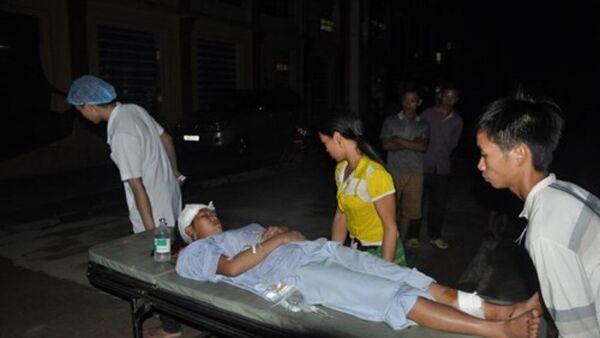 Các nạn nhân bị thương được đưa về Bệnh viện đa khoa Nghĩa Lộ cấp cứu. - Sputnik Việt Nam