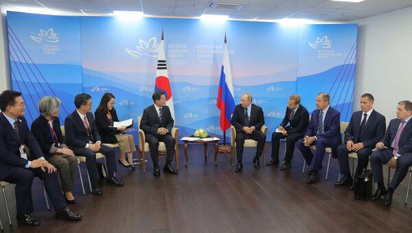 Рабочая поездка президента РФ В. Путина в Приморский край. День второй - Sputnik Việt Nam