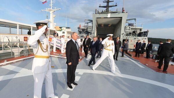Tổng thống Putin thị sát tàu hộ tống Sovershennyi - Sputnik Việt Nam