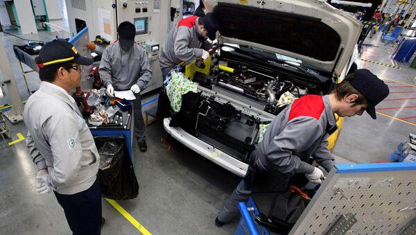 Производство Toyota Land Cruiser Prado на заводе Соллерс - Sputnik Việt Nam