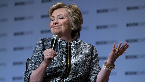Бывший госсекретарь США Хиллари Клинтон - Sputnik Việt Nam