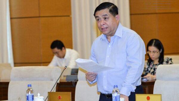 Bộ trưởng Bộ KHĐT Nguyễn Chí Dũng thay mặt Thủ tướng Chính phủ trình bày Tờ trình về dự án Luật Đơn vị hành chính-kinh tế đặc biệt - Sputnik Việt Nam