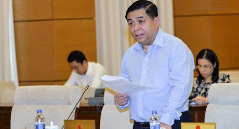 Bộ trưởng Bộ KHĐT Nguyễn Chí Dũng thay mặt Thủ tướng Chính phủ trình bày Tờ trình về dự án Luật Đơn vị hành chính-kinh tế đặc biệt