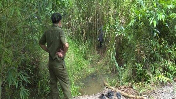Xác bé gái 13 tuổi bị chôn trong bụi cây - Sputnik Việt Nam