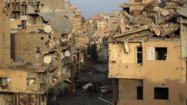 A view shows damaged buildings in Deir al-Zor, eastern Syria February 19, 2014 - Sputnik Việt Nam
