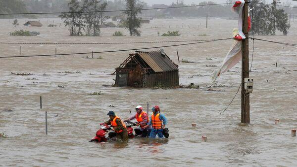 """Ngập lụt do bão """"Doksuri"""" ở tỉnh Hà Tĩnh.  - Sputnik Việt Nam"""