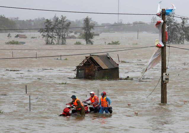 """Ngập lụt do bão """"Doksuri"""" ở tỉnh Hà Tĩnh."""