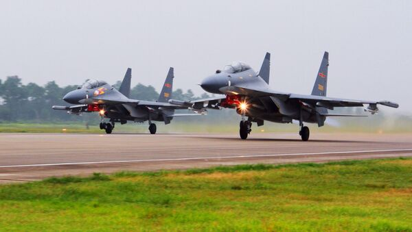 Máy bay SU-30 của Trung Quốc - Sputnik Việt Nam