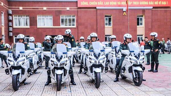 """Soi dàn môtô """"khủng"""" Yamaha FJR1300P của Bộ Công An - Sputnik Việt Nam"""