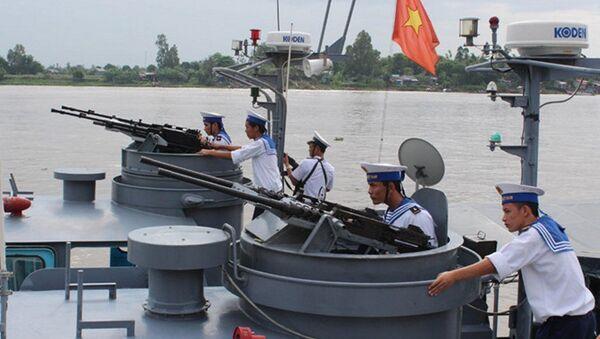 Huấn luyện sẵn sàng chiến đấu ở Lữ đoàn 962 - Sputnik Việt Nam
