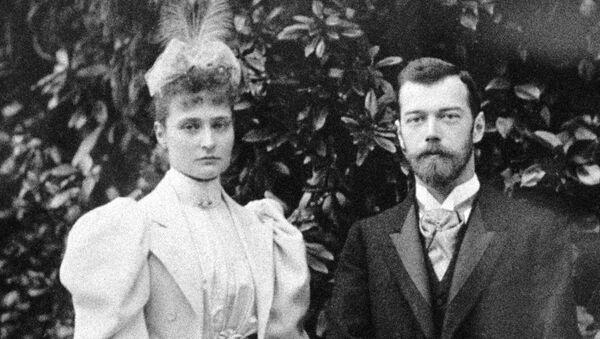 Nữ hoàng Alexandra Fedorovna và Sa hoàng Nikolai II - Sputnik Việt Nam