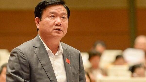 Ông Đinh La Thăng bị thôi giữ chức Uỷ viên Bộ Chính trị và hiện là Phó trưởng Ban Kinh tế Trung ương. - Sputnik Việt Nam