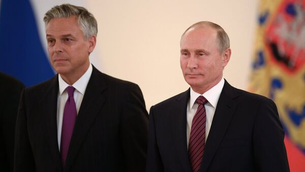 Tổng thống Nga Vladimir Putin và Đại sứ Mỹ Jon Meade Huntsman - Sputnik Việt Nam