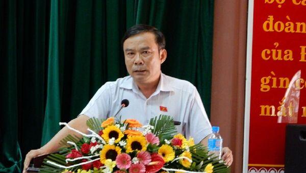 Ông Nguyễn Bá Sơn – Phó Trưởng đoàn chuyên trách Đoàn đại biểu Quốc hội TP Đà Nẵng trả lời ý kiến của các cử tri - Sputnik Việt Nam