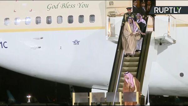 """Tại sân bay """"Vnukovo"""" thang cuốn ở máy bay của vua Ả Rập Xê-út ngừng hoạt động - Sputnik Việt Nam"""