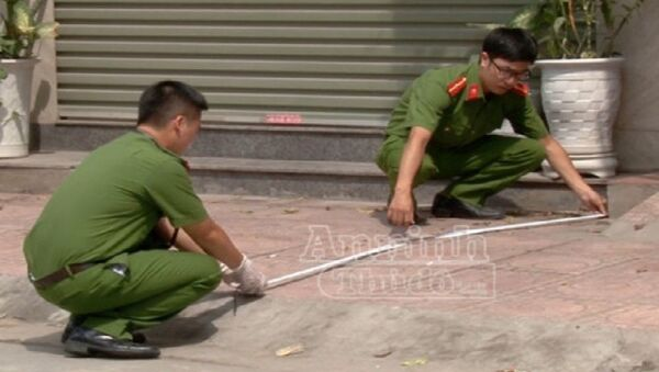 Công an khám nghiệm hiện trường vụ án mạng. - Sputnik Việt Nam