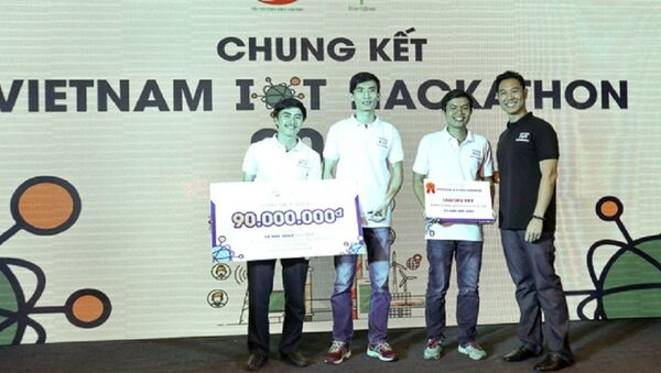 Cựu sinh viên Bách Khoa sáng tạo chiếc khóa thông minh, chủ nhà Airbnb có thể check-in, check-out cho khách từ xa mà vẫn an toàn - Sputnik Việt Nam