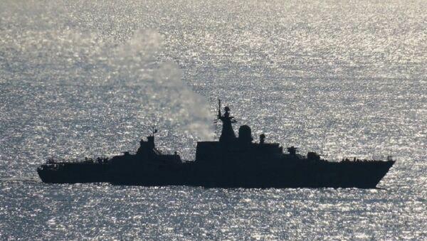 Tàu Gepard thứ 4 của Việt Nam (vẫn mang số hiệu tạm thời 487) tiến vào vịnh Tsemes - Sputnik Việt Nam
