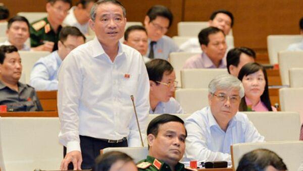Đại biểu Quốc hội Trương Quang Nghĩa phát biểu trên Hội trường - Sputnik Việt Nam