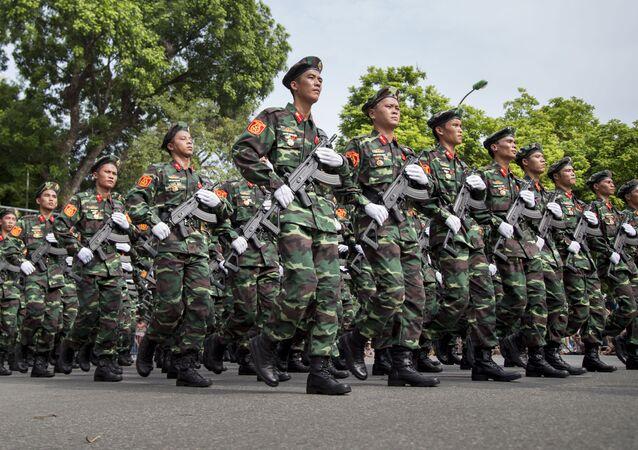 Các chiến sĩ Việt Nam
